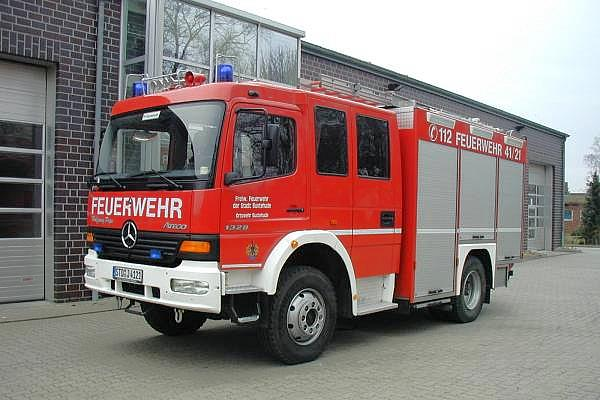 https://www.feuerwehr-buxtehude.de/media/img/bilder_ow_bu1/bilder_bu1_fa/lf/4121a.jpg