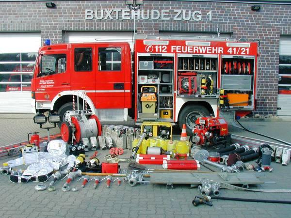 https://www.feuerwehr-buxtehude.de/media/img/bilder_ow_bu1/bilder_bu1_fa/lf/4121b.JPG